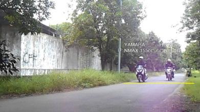 adu-nmax-sama-cb150r