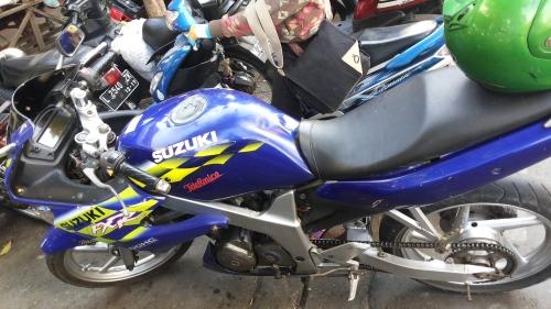 suzuki fxr150 front