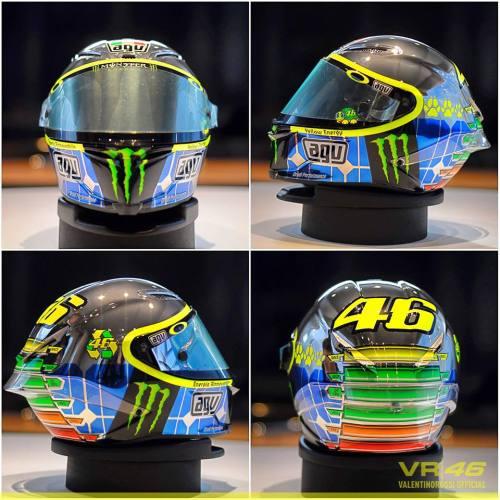 Valentino Rossi Mugello 2015 helmet