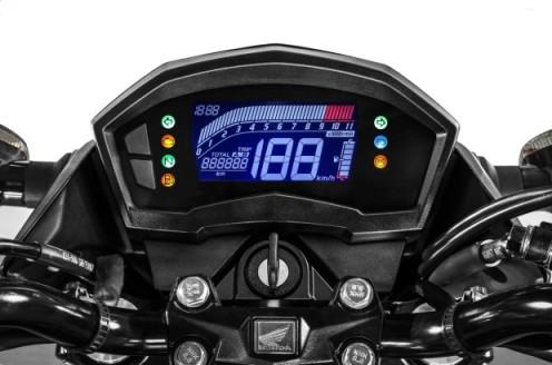 Honda-CB-Twister-250-2016-23-620x410