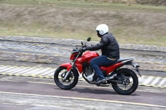 Honda-CB-Twister-250-2016-30-620x413