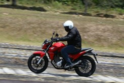 Honda-CB-Twister-250-2016-31-620x413