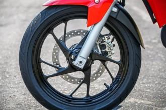 Honda-CB-Twister-250-2016-6-620x413