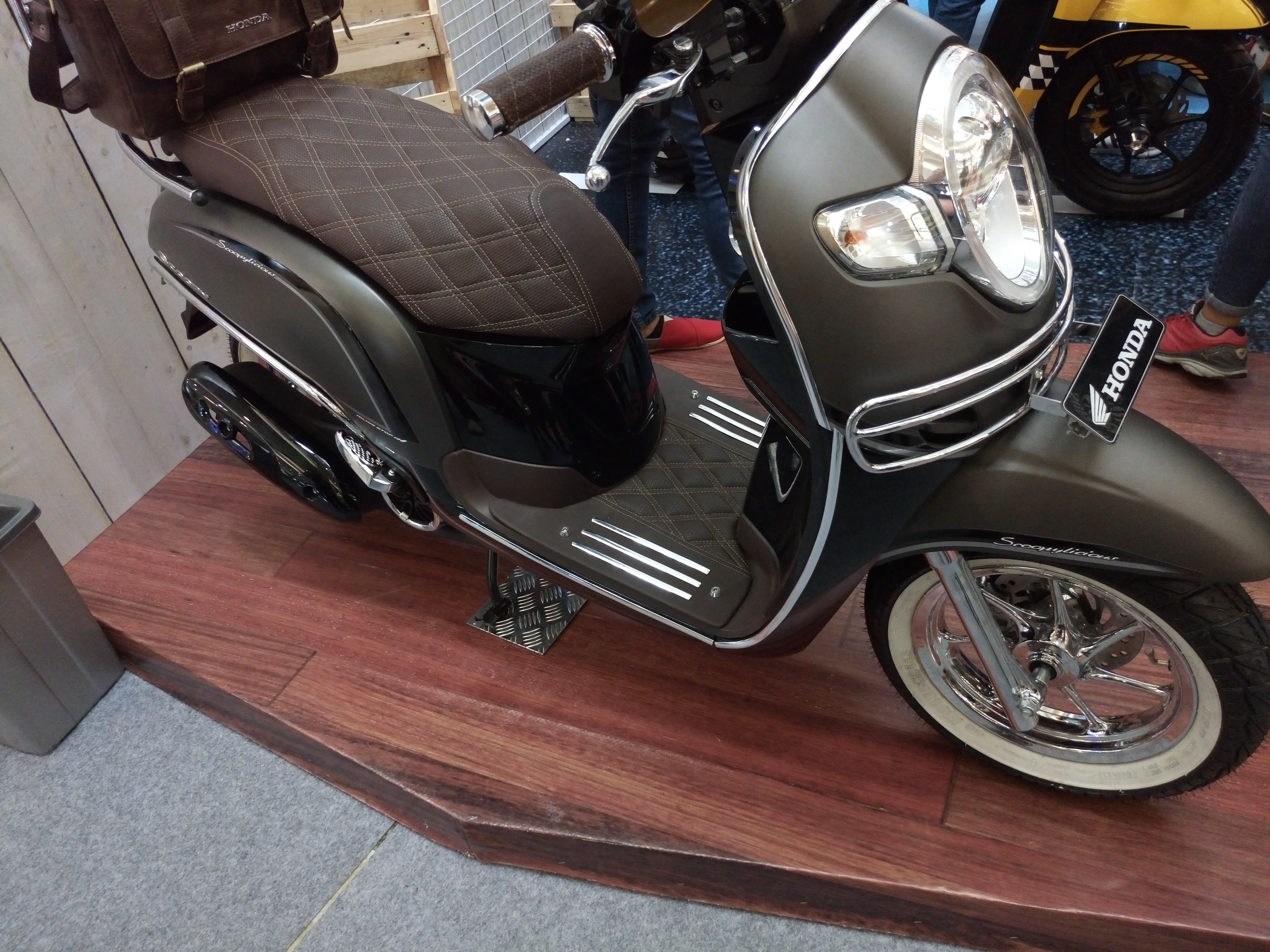 50 Modifikasi Scoopy Warna Hitam Coklat Modifhits